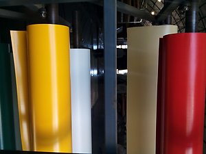 ПВХ ткань постоянно в продаже. Широкая гамма цвета.