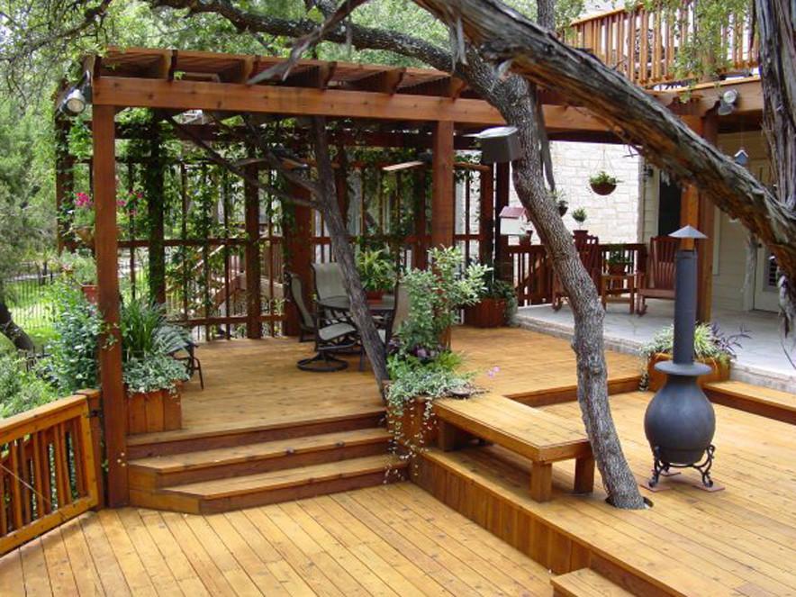 Пергола деревянная к дому из термодревесины