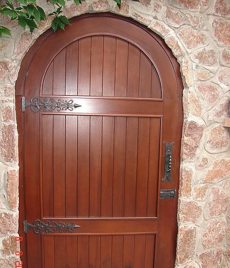 Деревянная арочная дверь №2