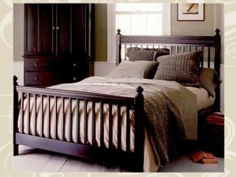 Кровать двуспальная деревянная